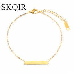 405182a97a05 SKQIR Bar Pulsera Femme Personalizado Grabado Pulsera de Oro de Acero  Inoxidable Joyería Personalizada Pulseras Iniciales para Las Mujeres