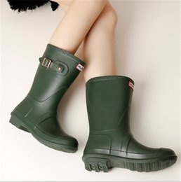 Chinese  INS Candy Color Women Waterproof Rain Boots Spring Autumn Mid-calf Rainshoes Designer Wellies Girls Ladies Fashion Rubber Low Heel Rainboots manufacturers