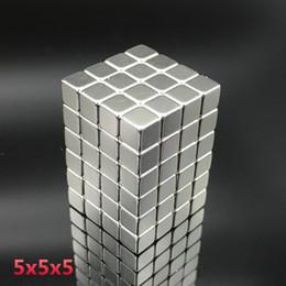 Imán de 125 piezas 5x5x5 mm Bloque de tierra rara resistente Cuadrado imanes de neodimio 5mmx5mmx5mm Permanecer 5 * 5 * 5 mm en venta