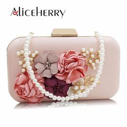 $enCountryForm.capitalKeyWord Canada - Ladies Elegant Pearl Chain Flower Evening Bag Party Clutch Women's Handbag Wedding Party Box Purse for Girls Blue White Pink