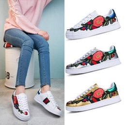 18 Luxury New Men Women Low Top Casual Shoes Fashion Designer Flower 3D Embroidery Sneakers 3 Color Flats Free Shipping tumblr sale online discount best place on hot sale cheap for sale qb0UiU