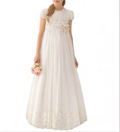 China Newest handmade Lace White Chiffon Girls Pageant Dress 2019 Girl First Communion Dress Kids Formal Wear Flower Girls Dresses for Wedding cheap kids picture suppliers