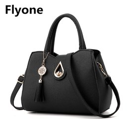 $enCountryForm.capitalKeyWord NZ - Fringed Leather Women's Handbags Water Droplets Buckle Lock Crossbody Messenger Women Bags Luxury Quality Ladies Casual Tote Bag