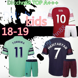 9b677e90fd1 2018 kids Arsenal Gunners OZIL AUBAMEYANG soccer jersey 18 19 ALEXIS  WILSHERE GIROUD LACAZETTE CHAMBERS XHAKA football shirt free shipping