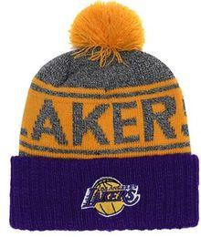 Gorro de punto de los Lakers de mayor venta Lebron James 23 gorros Lado lateral Frío Marcha reversa con sombrero de punto con gorros de cráneo Pom Winer 00