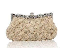 $enCountryForm.capitalKeyWord Canada - Clutch 2018 Heart Shaped Diamonds HandBags Women Evening Bags Chain Shoulder Purse Day Clutches Evening Bags For Party Wedding 2018
