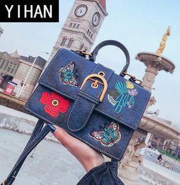 $enCountryForm.capitalKeyWord Canada - Factory wholesale brand handbag all-match Korean embroidery small package quality custom leather handbags embroidered retro women bag lock