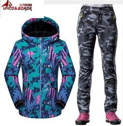 $enCountryForm.capitalKeyWord Canada - 2017 Autumn Winter Softshell Sport Suit Women Outdoor Windproof Waterproof Hiking Fleece Jacket + Warm Fleece pants 2pcs sets