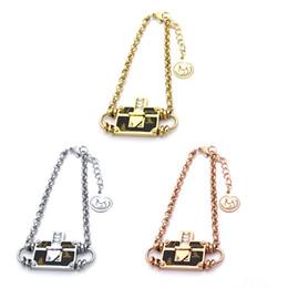 Ventes en gros de bracelet en titane coller l'ancien modèle en cuir sac bracelet en or 18 carats bracelet