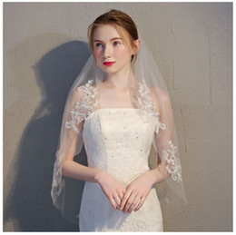 white short lace veil Canada - Factory direct short comb with the bride veil, single lace veil with diamond, color white and pure white.