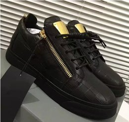 Metal Sneakers Australia - luxury men casual shoes mens trainers brand new women sneakers with Metal decoration rivet Patent leather Double zipper high top shoes198003