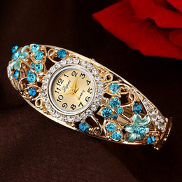 4e69fb8c4 Sloggi Brand New Palace Reloj de Oro Relojes Mujer 2018 Drill 3D Flower  Rhinestone Reloj National Wind Lady Pulsera