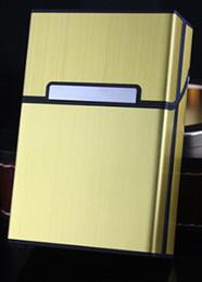 Fumar cigarros cigarreira nova liga de alumínio escovado metal escovado magnética fivela cigarreira seis cores em Promoção