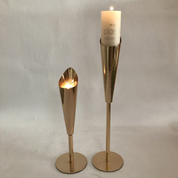 simple candle holders UK - Simple luxury candle holder pillar candle vase stand for wedding table centerppiece home romantic candlelight dinner metal candlestick decor