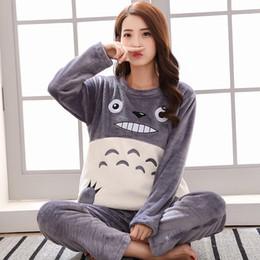 Großhandel Marke Winter Flanell Frauen Pyjama Set Korallen Fleece Totoro Cartoon Nachtwäsche Herren Pyjamas Mujer Lady Casual 3XL Hause Kleidung