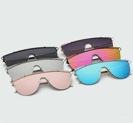 New Fashion Female Sunglasses Canada - NEW Oversized Women Sunglasses Brand Designer Fashion Glasses Retro Vintage Summer Style Sunglasses Female Oculos UV400