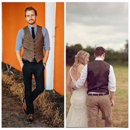 Wholesale 2021 Formal Custom Brown Tweed Vest Wool Herringbone Groom Vests British Style Mens Suit Vests Slim Fit Mens Dress Vest Wedding Casual VEST