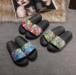 С коробкой 2018 слайды лето роскошный дизайнер пляж крытый плоский G сандалии тапочки дом шлепанцы с шип сандалии