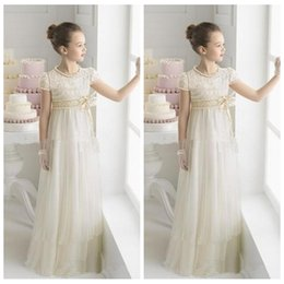 $enCountryForm.capitalKeyWord Canada - 2018 Princess Flower Girl Dresses for Wedding Vintage Lace Short Sleeve Crew Floor Length Sash Little Kids Formal Gowns Girls Pageant Dress