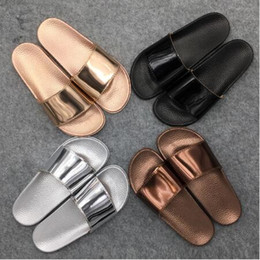 Women nonslip slippers 2018 Fashion Slippers Platform Sandals Summer Bling  Beach Slides Flip Flops Comfortable Flat Shoes 4 Colors Size f00712c82ef8