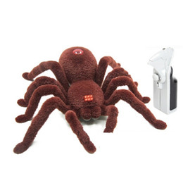 China Trick toys Funny Spoof Toys Simulation Soft Scary spider Horror Toy For kids outdoor fun play games cheap old fun games suppliers