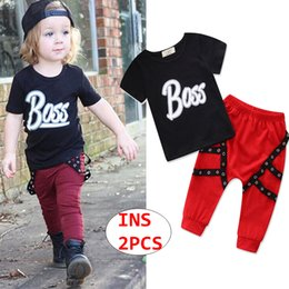 $enCountryForm.capitalKeyWord NZ - INS Boy Summer Cool 2PCS Outfit Baby short sleeve tops + pant Set Kids Letter print Clothing Set