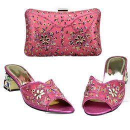 06c1cb0b8 Sapatos Italianos africanos e Bag Set Decorado com Strass Nigeriano Sapatos  De Casamento Das Mulheres e Saco Conjunto Itália Sapato e Saco Set 2018
