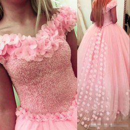 Beautiful quinceanera dresses online shopping - 2018 Beautiful Layers Hand Flowers Beaded Pink Quinceanera Dresses Ball Gowns Off Shoulders Princess Sweet Pageant Evening Party Gowns