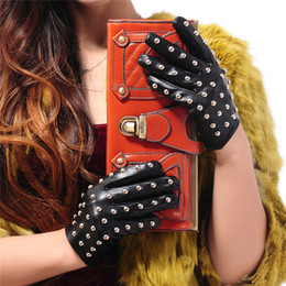 $enCountryForm.capitalKeyWord Australia - Yang Zhi Yuan -New Listing women Leather Gloves Dance Studs Nightclub Performance Personality Gypsophila women Sheepskin Gloves