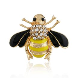 Alloy jAcket online shopping - Pins Brooches Button Pins Retro Denim Jacket Pin Badge Creative Cartoon plant Rhinestone clothing Jewelry Gift style Dripping oil cute bee