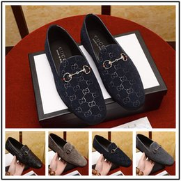 $enCountryForm.capitalKeyWord Australia - 18ss New Hot Italian Famous Brands Top Leather Design Gradine Color Wingtip Formal Shoes Men Pointed Toe Casual Wedding Party Liesure Dress