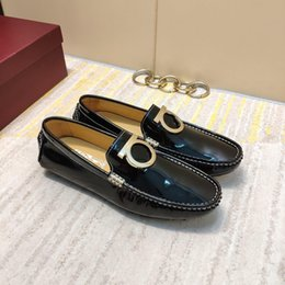 Discount ship hard drive - Italy men's sports shoes patent leather breathable flat bottom comfortable driving shoes men's casual shoes fr