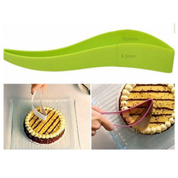 $enCountryForm.capitalKeyWord NZ - Cake Cutter Cake Knife One-piece Slice Cutter for Wedding Party Bread Slice Knife Kitchen Gadget Tools HHA417