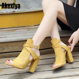 6e985a65462 Vestido Hebilla Plataforma Grueso Tacones altos Sandalias Bombas cuadradas  Primavera Verano Zapatos Mujer Negro Rosa Amarillo Tamaño 35-43 D863