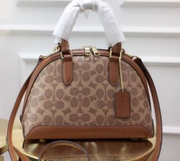 $enCountryForm.capitalKeyWord Australia - handbag fashion luxury designer bags totes Messenger Bag Crossbody Bags 2019 lovely products 25cm Palm fabric