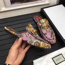 $enCountryForm.capitalKeyWord Australia - Cheap Luxury Designer Men Casual Shoes Cheap Best High Quality Mens Fashion Sneakers Party Platform Shoes Velvet Chaussures Sneakers F13