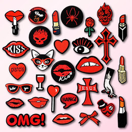 Lipstick Clothing Australia - Lipstick Lips Heart Embroidered Patch for Clothing Iron on Sew Applique Cute Fabric Clothes Shoes Bags DIY Decoration Patches