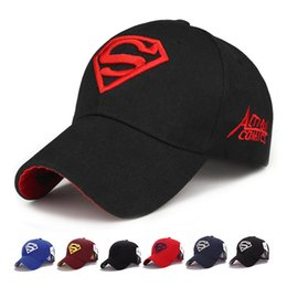 Suerhero Superman Gato Chapéus LOGOTIPO Superman Bordado Boné de Beisebol  Ajustável Bola Caps Chapéu de Sol de4c47c6da6
