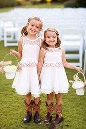 Cheap Tutus For Girls NZ - Cute Short Lace Flower Girls Dresses Cheap A-Line Sleeveless Girls Party Formal Gowns First Communion Dresses Kids Tutu Pageant For Wedding