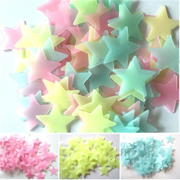 fluorescent light boxes Canada - 100 pcs Set Star and Moon Energy Storage Fluorescent Glow In The Dark Christmas Kids Bedroom Wall Stickers Baby Rooms Home Decoration