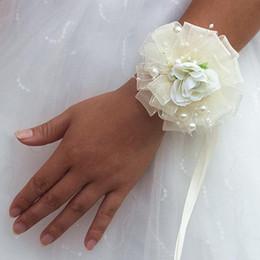 prom flower bracelets 2019 - Simulation Bouquet Flowers Wrist Corsages Wristlet Prom Flowers Bride Bridesmaid Wrist Flower Designer Wristlet Wedding