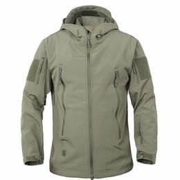 $enCountryForm.capitalKeyWord Australia - Shark Skin Soft Shell V4 Outdoors Tactical Jacket Men Waterproof Windproof Coat Hunt Camouflage Army Clothing