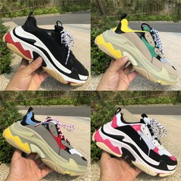 Open tOe flats online shopping - 2019 Reissue Triple S FW Paris Luxury Designer Shoes Mens Womens Grey Red Blue Runner Flat Shoes Fashion Sport Sneaker