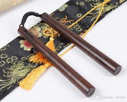 Venta al por mayor de NUEVO Madera Ebony Combate Nunchaku cuerda de madera sólida dos palos nunchaku de madera maciza Bruce Lee palo de entrenamiento de estilo chino