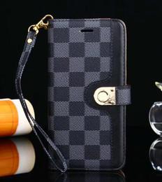 Grille En Cuir Designer Couverture De Luxe Portefeuille Téléphone Cas Pour iPhone X XR XS Max 8 7 6 6 s Plus S9 S10 Note9 Soft Shell Peau Hull + Corde GSZ508 en Solde