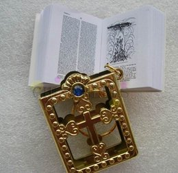 Crafts Party Supplies Wholesale NZ - mini bible keychain God day school supplies prizes key ring souvenir English silver gold frame Christian Gospel X-mas party gifts crafts