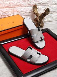 Hot new designer di moda pantofola da uomo pantaloni attillati mens sandali a righe causali pantofole huaraches estive antiscivolo infradito pantofola medusa in Offerta