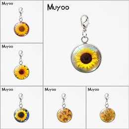 $enCountryForm.capitalKeyWord Australia - 2019 Vintage Sunflower Paintings Beauty Flowers Round Glass Dome Pendant Beauty Sunflowers Jewelry Handmade Charms Accessory