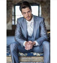$enCountryForm.capitalKeyWord Australia - Fashionable One Button Groomsmen Peak Lapel Groom Tuxedos Men Suits Wedding Prom Dinner Best Man Blazer(Jacket+Pants+Tie+Vest) A129