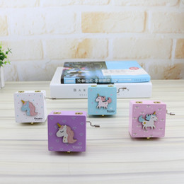 Shake boxeS online shopping - 4styles Unicorn Music Box Hand Shake Girl Eight Tone Boxes Boutique Square Tabletop Lovely Musical desk decor objetcs FFA2771